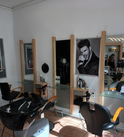 Salon in Solingen - Waschbecken
